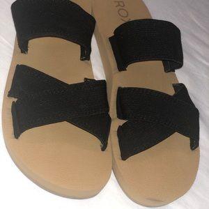 Roxy Shoes - ROXY black sandals